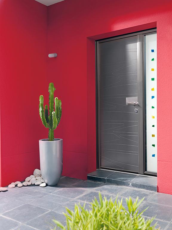 Puertas de entrada de aluminio aluminios jesus diaz - Barnizar puerta de entrada ...